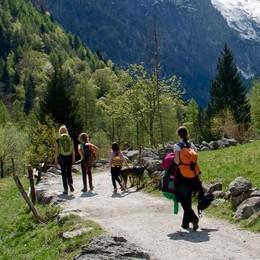 Sentiero in Val di Mello, intervengono operatori e proprietari terrieri