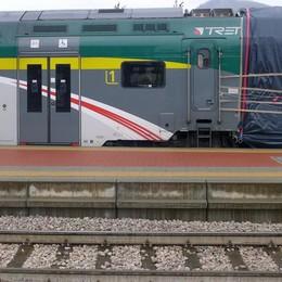 Erba, sale sul treno per un selfie In ospedale, ma non è grave