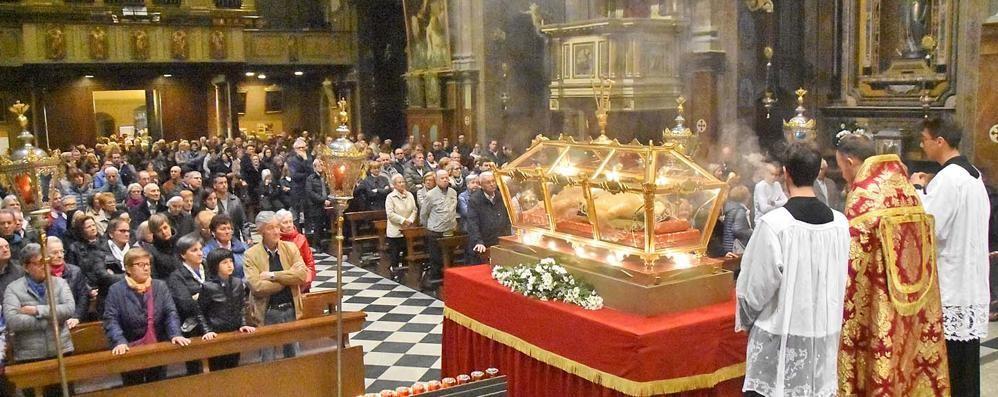 La fede di Sondrio nel Crocifisso. In tanti alla veglia