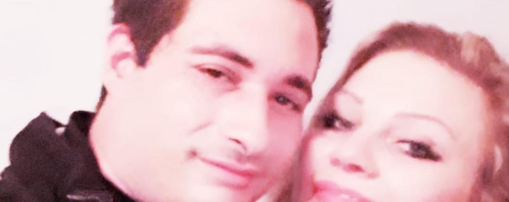 Investita e uccisa a Beregazzo  Il fidanzato: «Non stava bene, è scesa  L'hanno travolta, un volo di 40 metri»