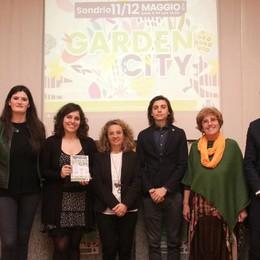 """""""Garden city"""": Piazza Garibaldi si ricopre di verde"""