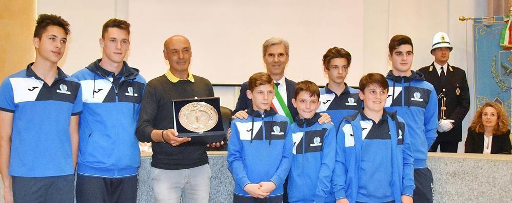 Il mago dei portieri è lo Sportivo sondriese  Targa d'onore a Mozzi