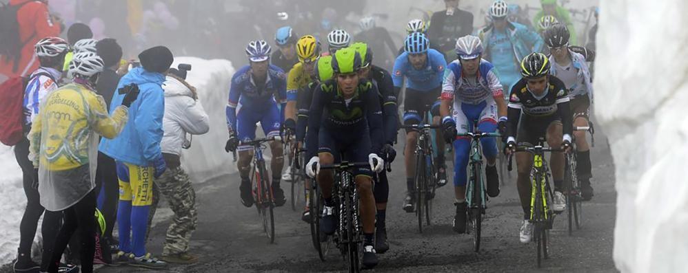 Giro d'Italia, si lavora per rendere il Gavia transitabile
