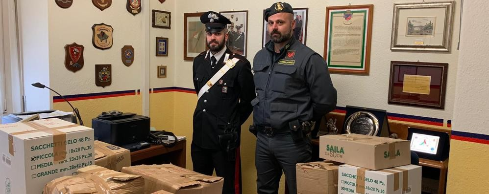 A Mazzo ambulanti senza autorizzazione: fermati e multati