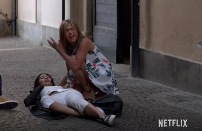 Dal film Murder Mystery girate a Como con Jennifer Aniston e Adam Sandler