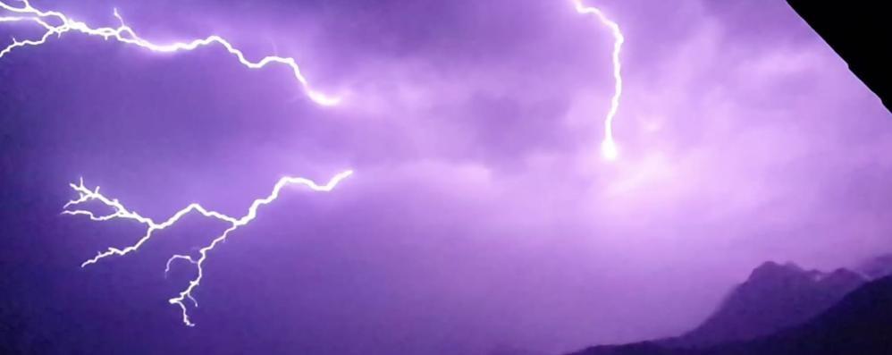 Il cielo in Valmalenco: «Splendido concerto di tuoni e fulmini»