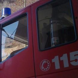 Pickup si cappotta a Berbenno: arriva l'elicottero