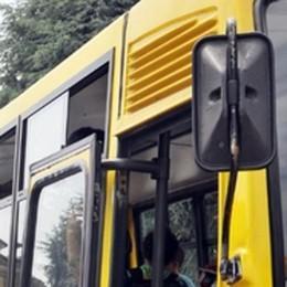 Scuolabus con telecamera a bordo  «Multe ai vandali e a chi fa il bullo»