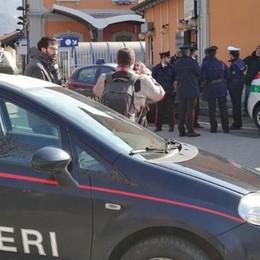 Calolzio, scippatore inseguito dai passanti  Nella fuga cade e finisce all'ospedale