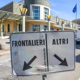 Stop ristorni frontalieri  A rischio 76 milioni  per i Comuni di confine