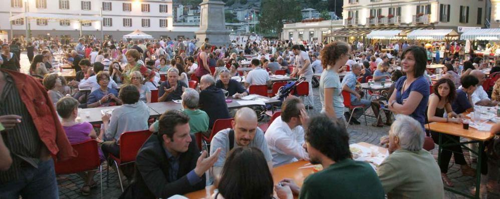 Cucine dal mondo, niente piazza: la cena a Sondrio si svolgerà alla Piastra