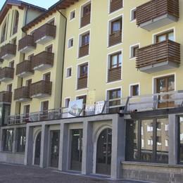 L'hotel Cascata venduto all'asta: futuro a stelle e strisce
