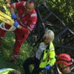 Traliccio caduto, operaio in ospedale