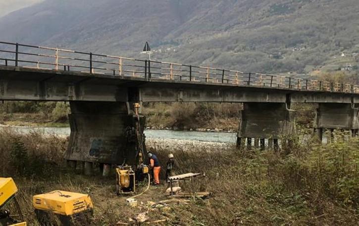 Traona, ponte sull'Adda rinforzato e più sicuro. E semaforo per lo stop se l'acqua sale