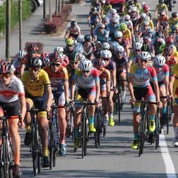 Ciclismo, il gran premio Inter club Ponchiera ai nastri di partenza