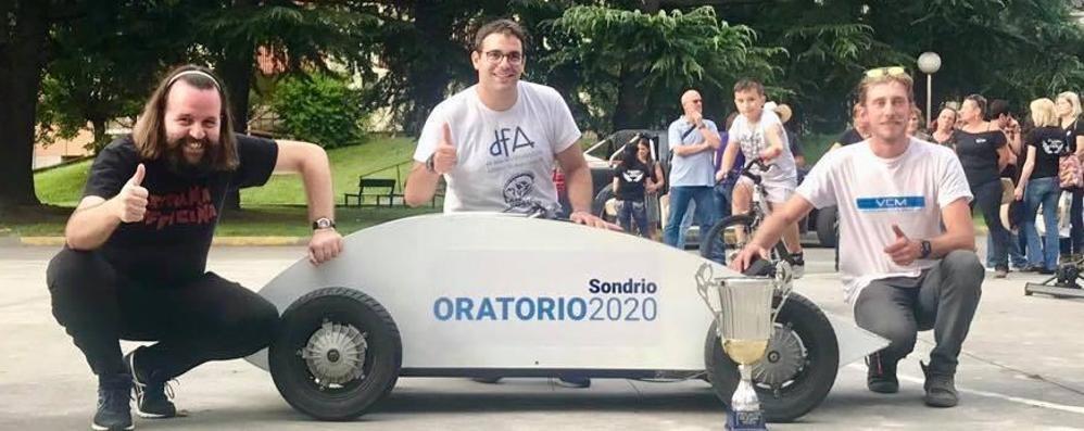 Bolidi senza motore a Sondrio, il carretto più veloce è quello di San Rocco