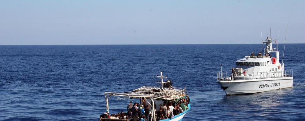 Ue pronta a sostenere meccanismo ripartizioni migranti