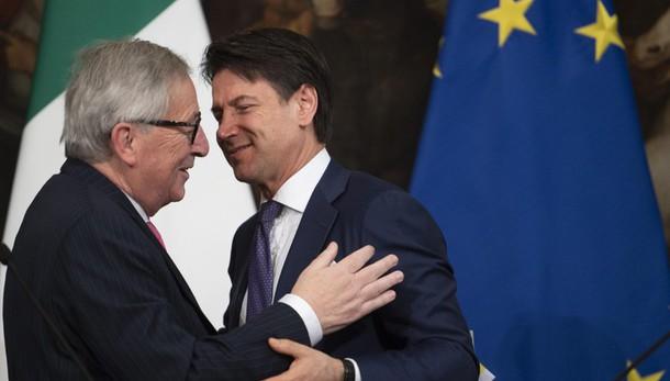 Governo: Juncker invia 'sentiti auguri' a Conte