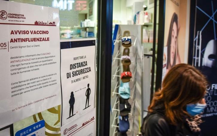 Corsa al vaccino  In soli tre giorni  prenotano in mille