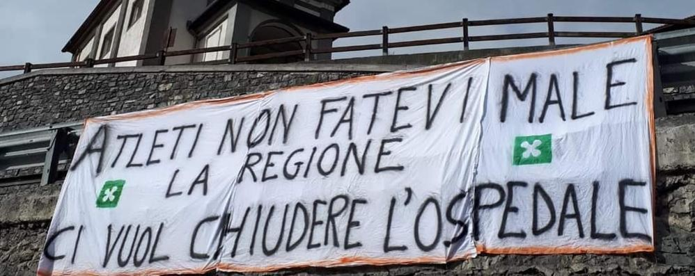 La protesta pro Morelli al Giro d'Italia