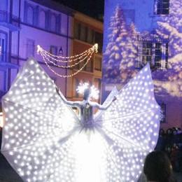 Luci, proiezioni e addobbi  A Sondrio  un Natale normale