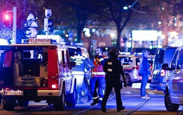 Attacco terroristico a Vienna  Morti e feriti vicino alla Sinagoga