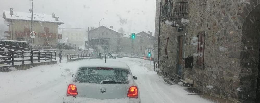 Oggi neve, anche a basse quote  Allerta della Protezione civile