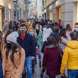 Tutta Italia zona rossa  nei festivi: dopo il caos  il governo corre ai ripari