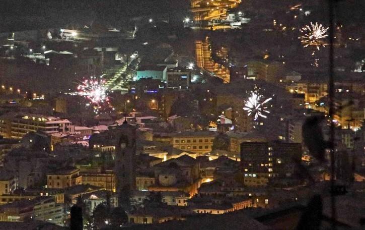 Capodanno irreale  Niente botti, feriti  e ubriachi in giro