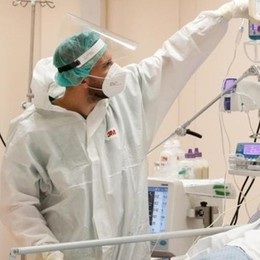 Covid: «Ora più guariti  nelle terapie intensive»
