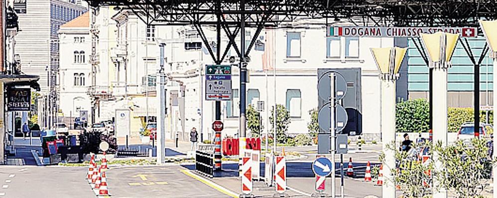 Coronavirus, paura in Ticino  E i valichi di confine  diventano deserti