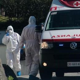 Virus, ieri 11 vittime  Crescono i contagi  ma anche i dimessi