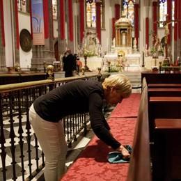 Via libera alle messe  In chiesa al massimo  duecento persone