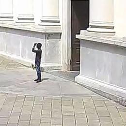 In psichiatria il vandalo   che ha distrutto la collegiata