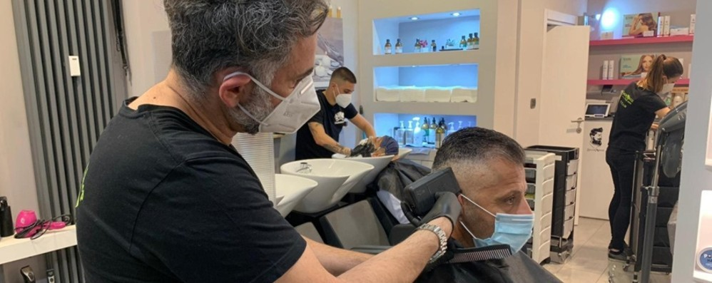 Lombardia: lunedì riaprono  ristoranti, bar e (martedì) parrucchieri