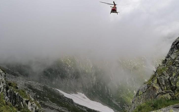 Tragedia in Val Bodengo  Precipita e muore davanti al padre