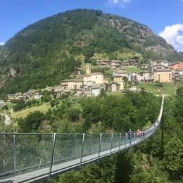Tartano, il Ponte nel cielo   risolleva l'estate