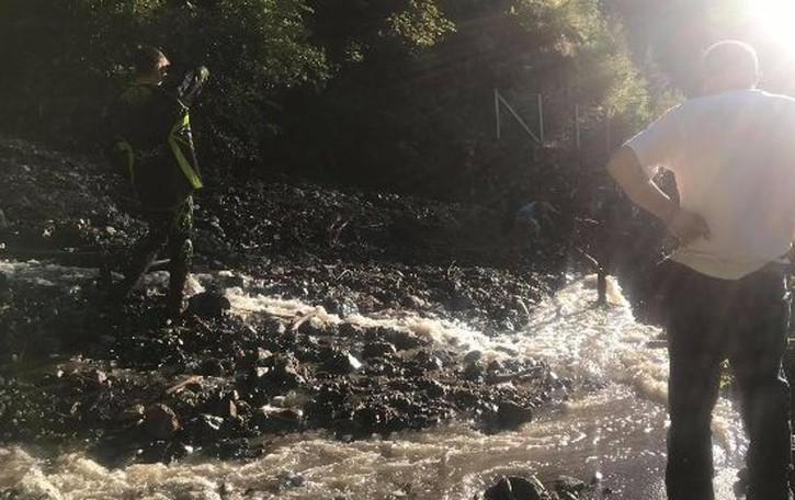 Frana di Sernio, strada  chiusa  Vanno rimossi i detriti sotto il ponte