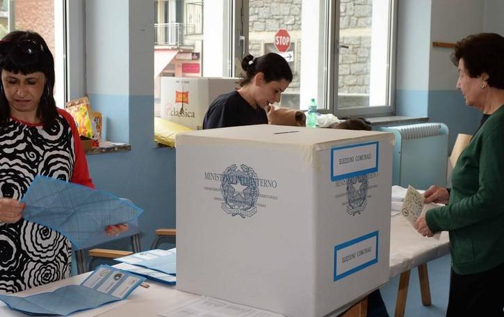 Parte la corsa alla poltrona   Un plotone di 180 candidati