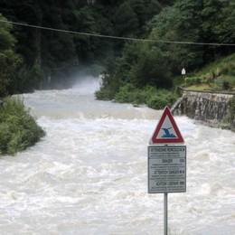 Piogge e maltempo,   famiglie evacuate in Valdisotto  Riaperti Stelvio e Maloja