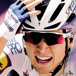 Bagioli vince in Francia a braccia alzate