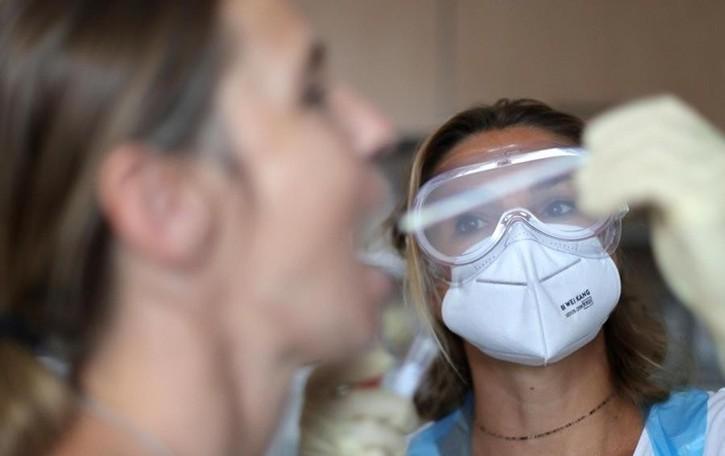 Coronavirus, il punto  della Regione  Un nuovo caso   a Como e Sondrio,  due a Lecco