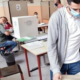 Referendum: sì in vantaggio  Gli exit poll lo danno al 60%
