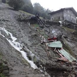 Maltempo, frane e disagi  Chiusa strada in Val Gerola   Tre sfollati a Rasura