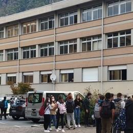 Tamponi negativi a Tirano  Oggi si torna in classe