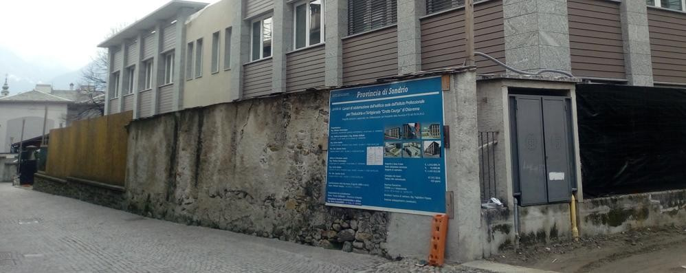 Anziana scippata a Chiavenna  Cade a terra, finisce in ospedale