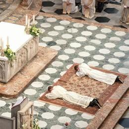 Ordinati due nuovi sacerdoti  Destinati in Valtellina  Oggi prima messa ad Ardenno