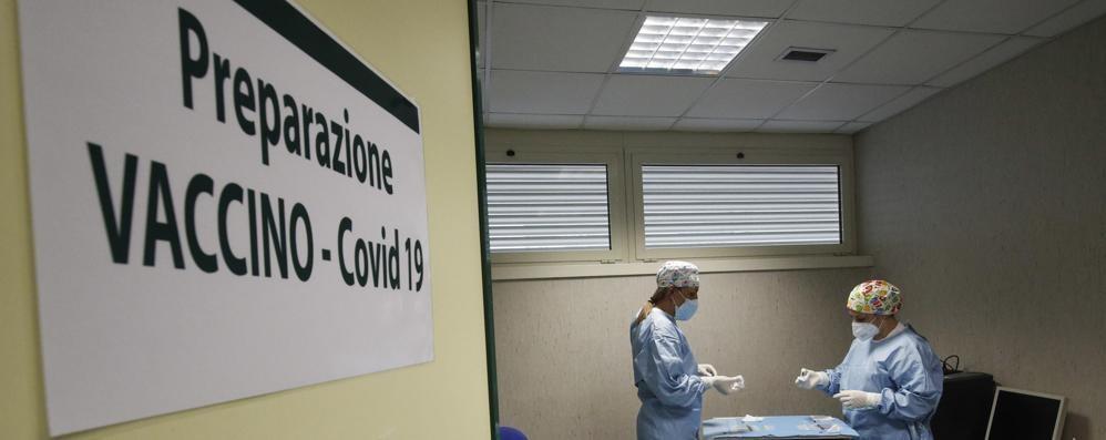 Vaccini, il piano  per la fase due  «Servono spazi»