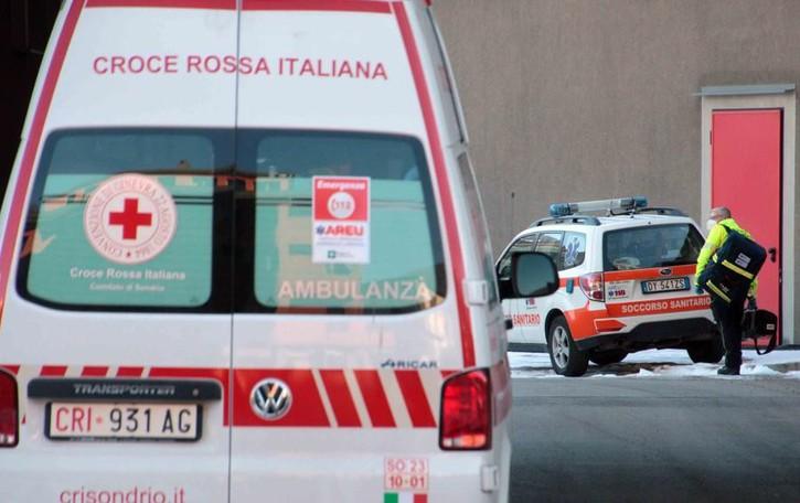 Covid, un focolaio  in ospedale a Sondrio  Pazienti trasferiti d'urgenza