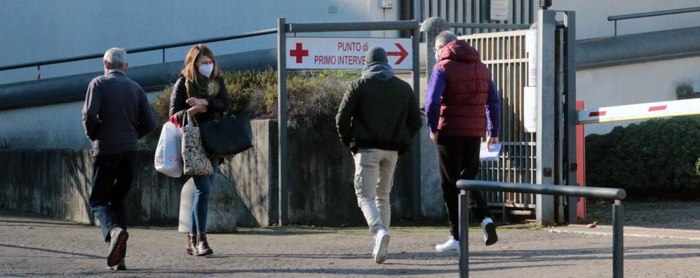 Vaccinazioni per over 80 in Bassa Valle  Si faranno all'ospedale e a Nuova Olonio